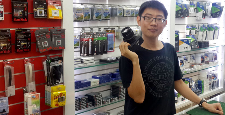 Shopping for cameras in Taipei